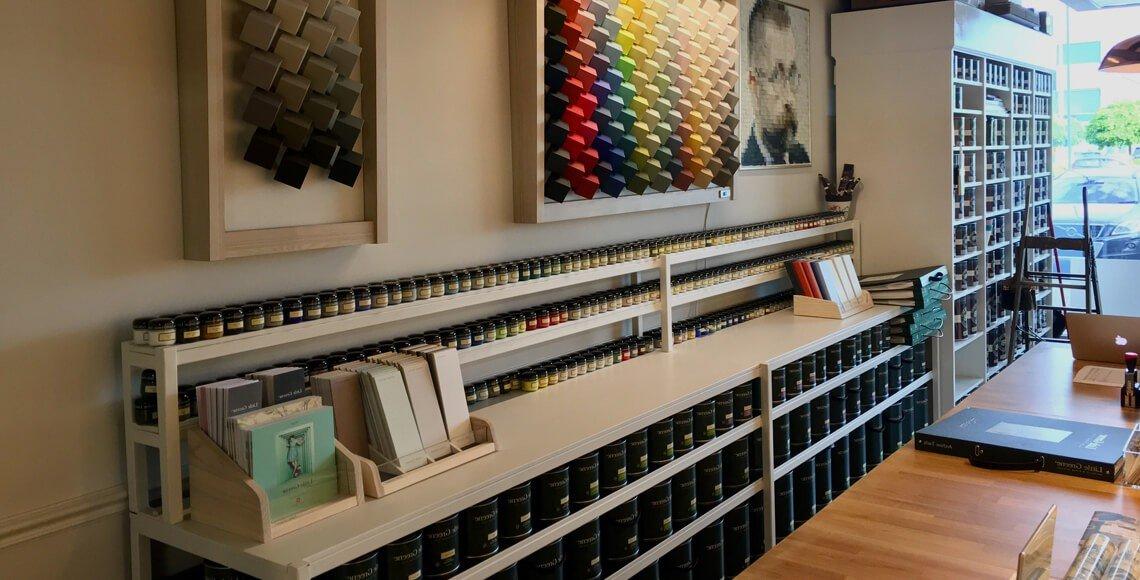 Dažų ir tapetų parduotuvė  Čia spalvos atranda savo namus